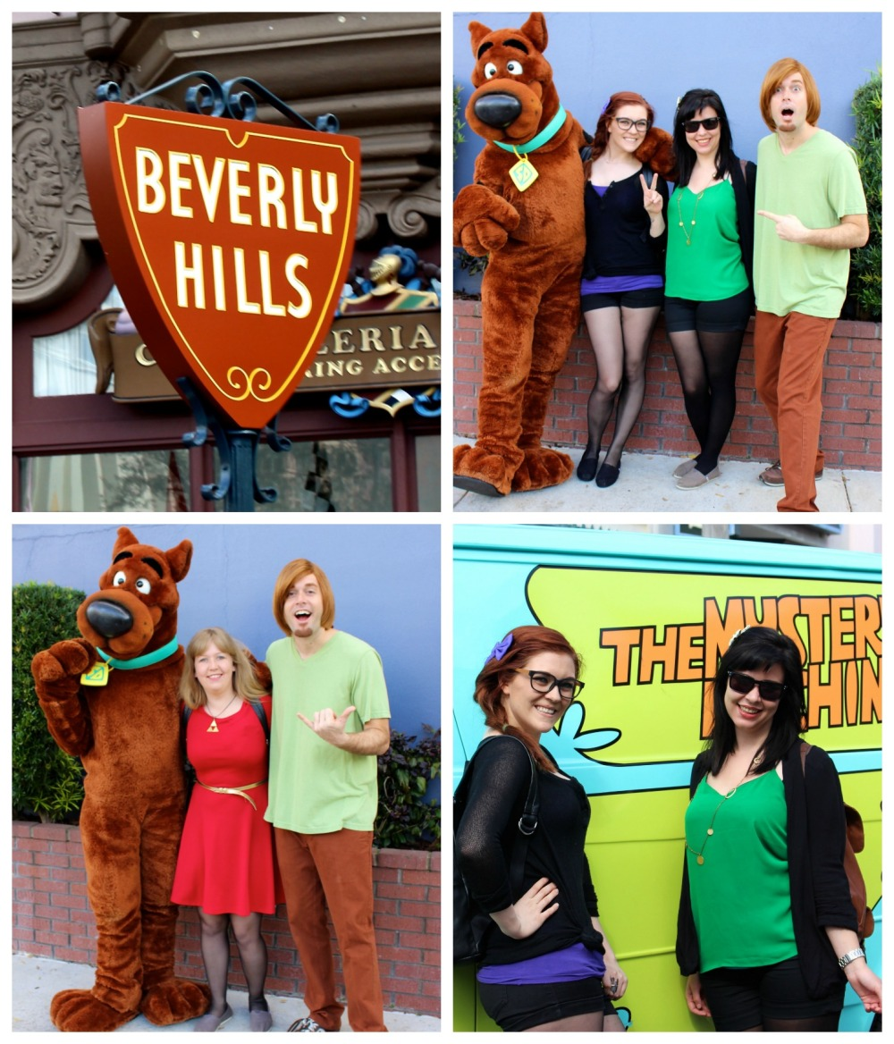 under-the-invisibility-cloak-at-harry-potter-world-scooby-doo-gang